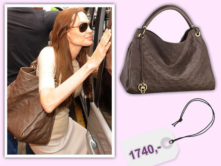 Star-Style: Das kosten die Designer-TeileAngelina Jolie hat für diese Ledertasche von Louis Vuitton bestimmt keinen Cent bezahlt, da sie zur Zeit das Gesicht des Labels ist. Wir müssten 1.740 Euro bei www.louisvuitton.com auf den Tisch lege