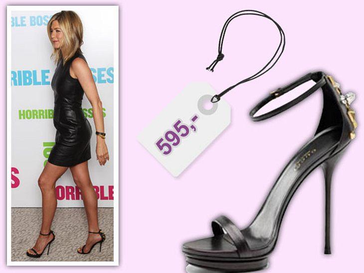 """Star-Style: Das kosten die Designer-TeileSexy High-Heels von Gucci trägt Jennifer Aniston bei der Premiere von """"Kill The Boss"""". Die verruchten Treter kosten 595 Euro und sind über www.gucci.com zu bestellen."""