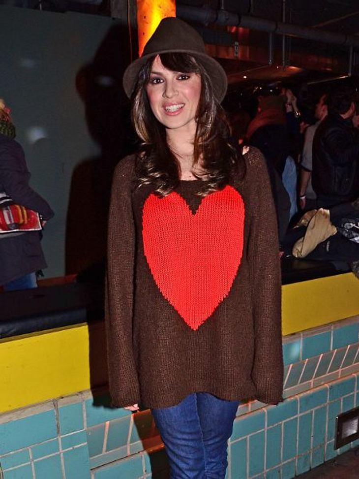 Star-Style: HerzchenNatalia Avelon (31) war fleißig mit Stricknadel und Wolle. Ergebnis: ein überdimensionales Herz.