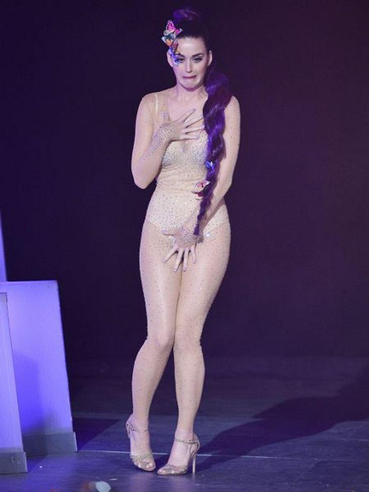 Star-Style: Die größten Fashion-Fiaskos im JuliNude-Nonsens: Katy Perry (27) hat aber auch modische Momente, in denen sie ganz bewusst mitbekommt, was da jetzt nicht ganz so gut passt.