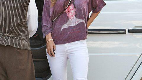 Star-Style: Diese Promis sind selber Fans - und tragen Band-Shirts! - Foto: WENN.com