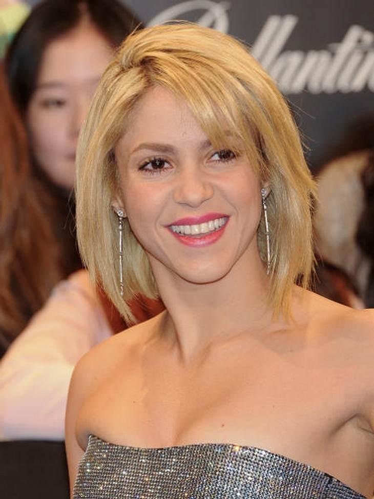 Stars lieben Bob-Frisuren,Als Shakira (34) sich von ihrer langen Mähne getrennt hat, waren wir erst schockiert. Doch der Bob sieht auch nicht schlecht aus.