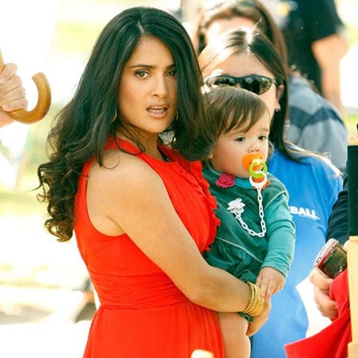 Schwanger über 40: Diese Stars freuen sich über ihr spätes MutterglückSalma Hayek (45) war bei der Geburt von Töchterchen Valentina Paloma bereits 41 Jahre alt.