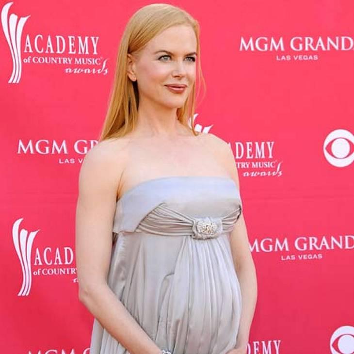 Schwanger über 40: Diese Stars freuen sich über ihr spätes MutterglückIm Juli 2008 freute sich Nicole Kidman (44) über ihre erste leibliche Tochter Sunday Rose mit Mann Keith Urban (44). Nicole war zu diesem Zeitpunkt 41 Jahre alt. Mit Ex T