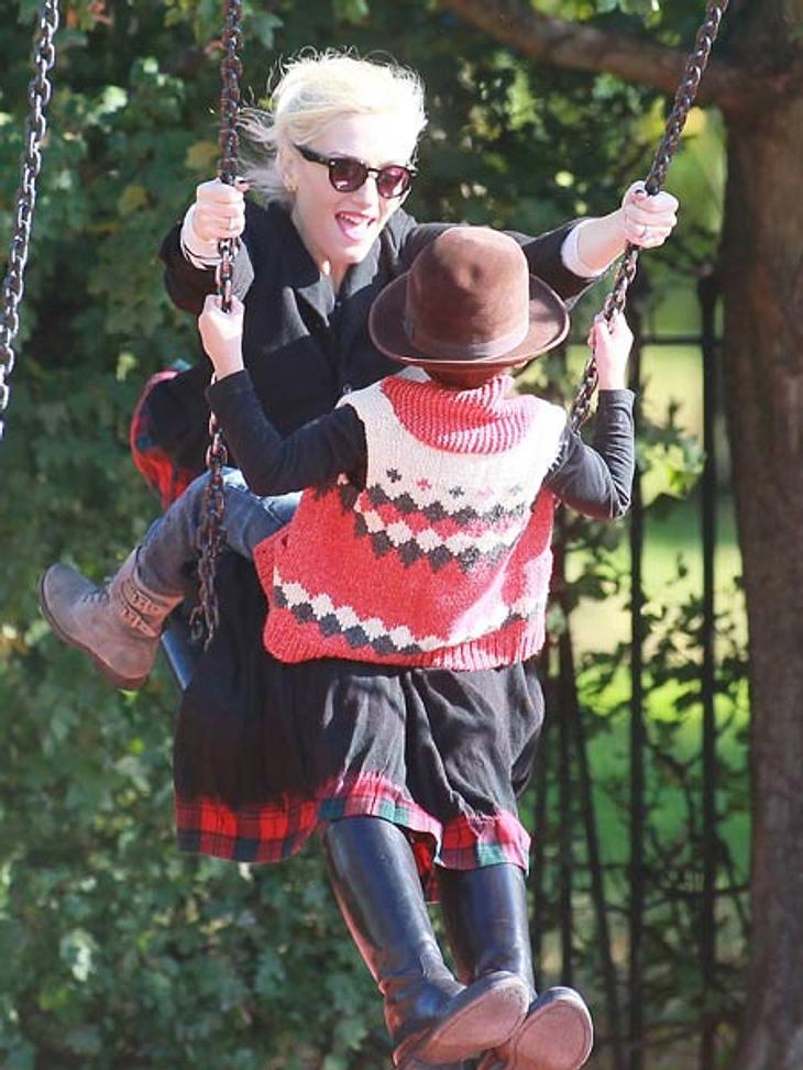 Ab auf den Spielplatz: Diese Stars wollen nicht erwachsen werdenAuch Gwen Stefanis (42) stylischer Nachwuchs darf zwischendurch einfach mal Kind sein! Kingston (5) und Zuma (3) dürfte es freuen - und Mama Gwen ist natürlich auch gerne dabei