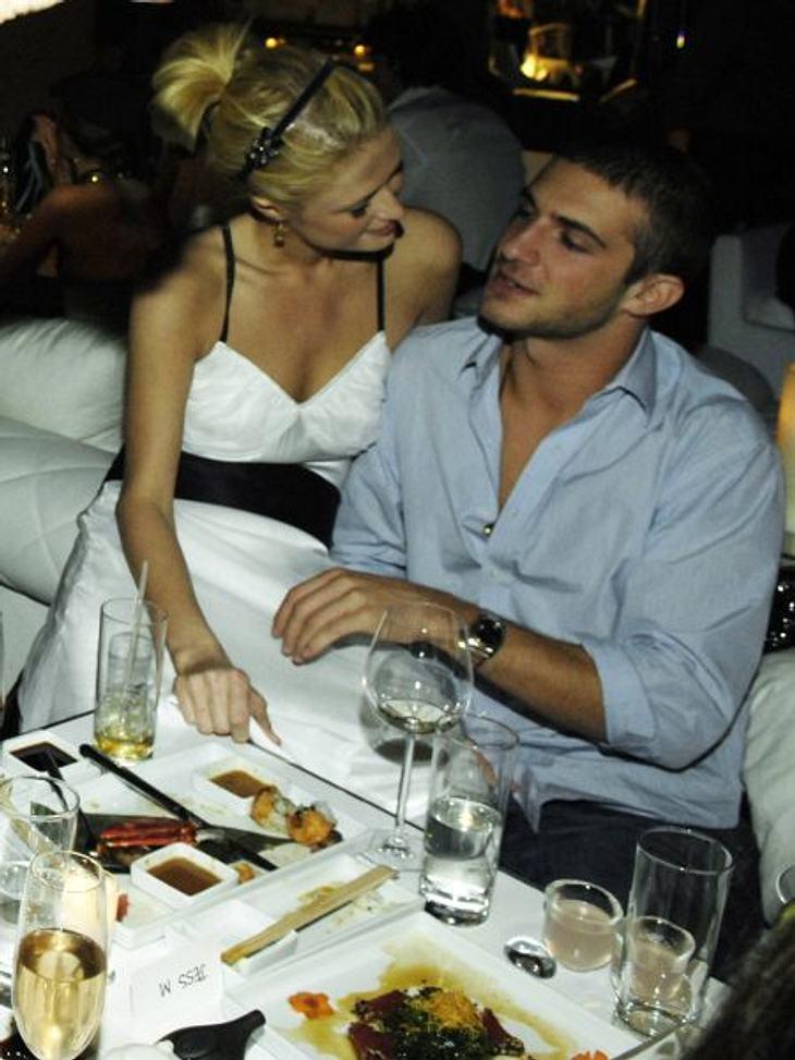 Wie wär's mit einem Milliardär? Die begehrtesten ErbenNeben Paris Hilton soll er auch Model Petra Nemcova (32) und Designerin Mary-Kate Olsen (25) im Bett gehabt haben. Doch nicht nur mit seinem Flirtfähig-keiten kann Stavros punkten. Seine