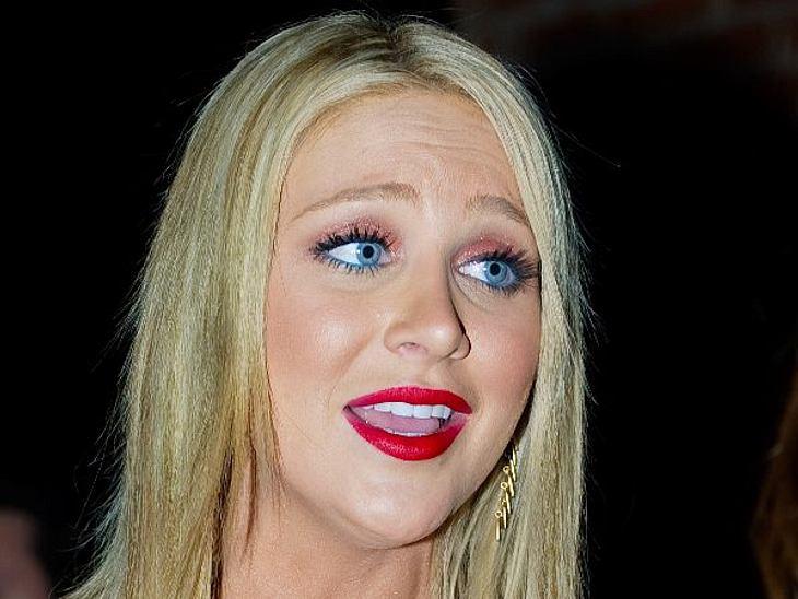 """Die Make-Up-Pannen der StarsIm Gesicht von """"The Hills""""-Star Stephanie Pratt (26) ist scheinbar ein Regebogen explodiert: Das knallt!"""