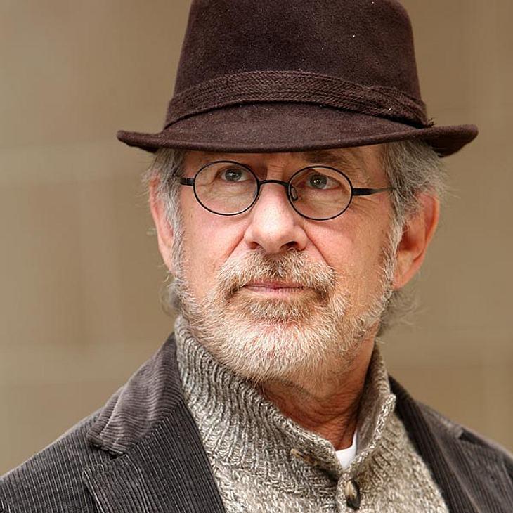 """Die Macken der StarsEr hat einen Flucht-FimmelIn seinen Filmen kann es ihm nicht actionreich genug sein - privat geht Steven Spielberg (65) lieber auf Nummer sicher. """"Vor seinem Büro hat er seit Jahren ein Motorrad stehen, das er noch"""