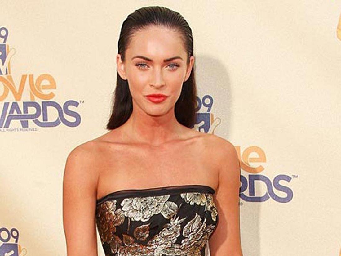 Megan Fox oder Elsa Pataky - wem steht das Kleid besser?