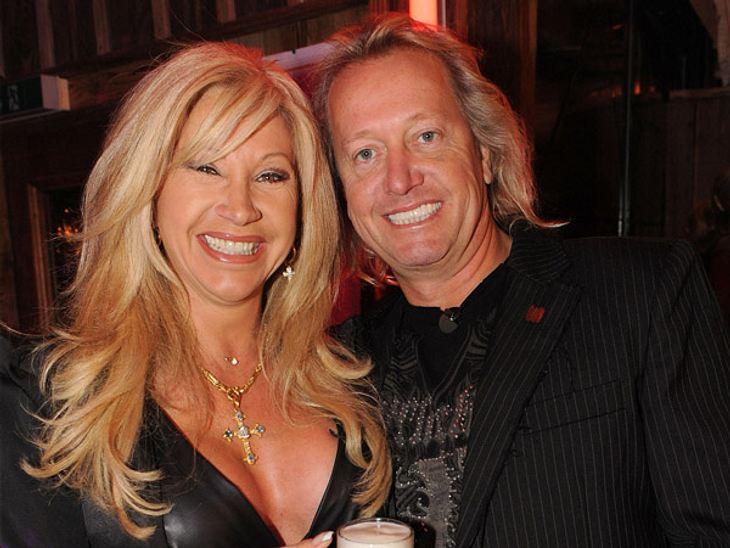 """Die parodierten Promis aus """"Switch reloaded"""",Das ist das echte Millionärs-Paar: Robert (48) und Carmen (48) Geiss. Die beiden sind begeistert über ihre Parodie bei """"Switch reloaded"""". """"Wir haben uns die Folge mittler"""