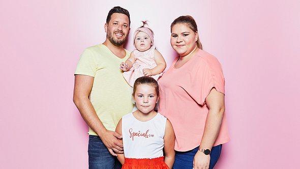 Sylvana Wollny und ihre Familie - Foto: RTLzwei