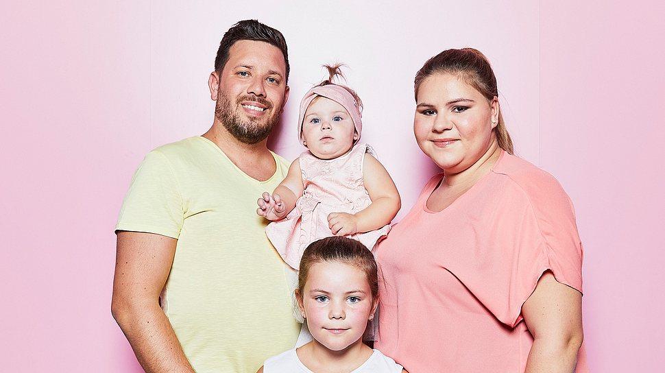 Sylvana Wollny, Florian Köster und ihre Kinder - Foto: RTLzwei
