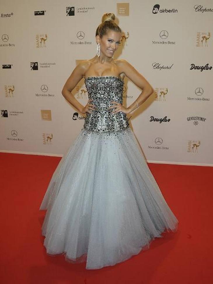 Bambi 2012 - Die Looks der StarsSylvie van der Vaart (34) hatte sich für eine Märchenprinzessin-Robe mit üppigem Tüll-Rock entschieden.