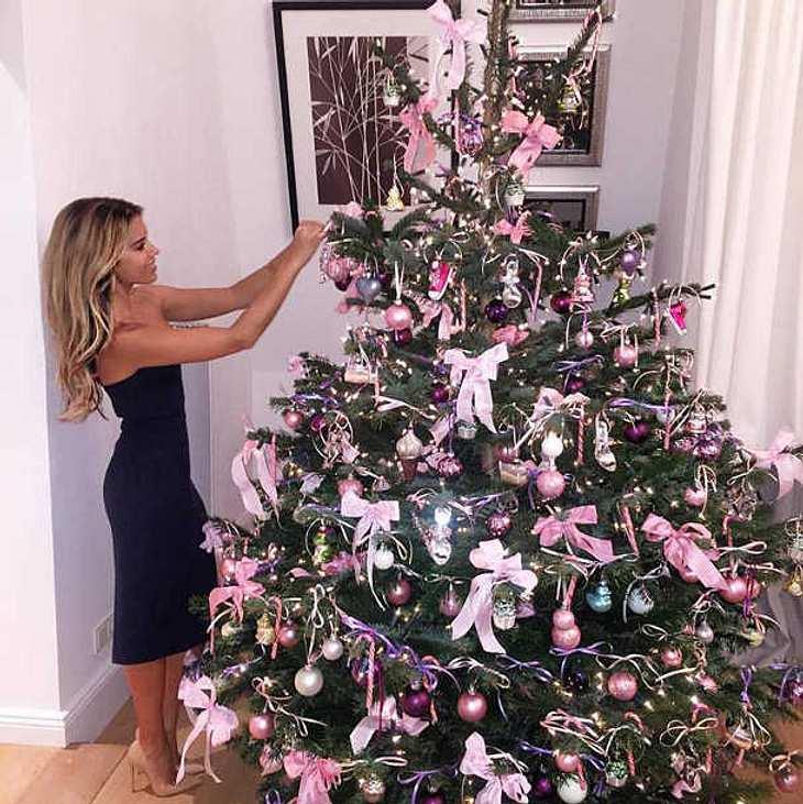 Wer Schmückt Den Weihnachtsbaum.Sylvie Meis Schmückt Schon Ihren Weihnachtsbaum Intouch