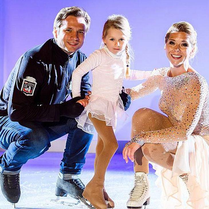 Tanja Szewczenko und Tochter Jona gemeinsam bei AWZ