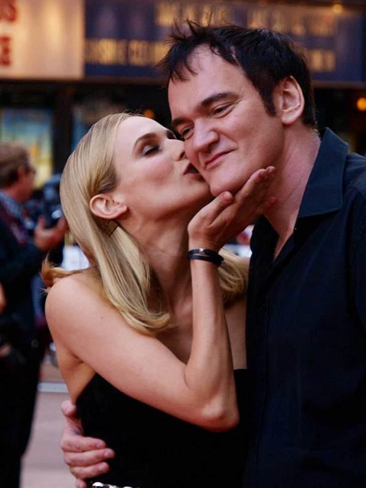 """Stars beim KnutschenOb das ein Dankeschön-Kuss für die tolle Rolle in """"Inglorious Bastards"""" ist? Zumindest hat Diane Kruger (35) Quentin Tarantino (48) sehr lieb."""
