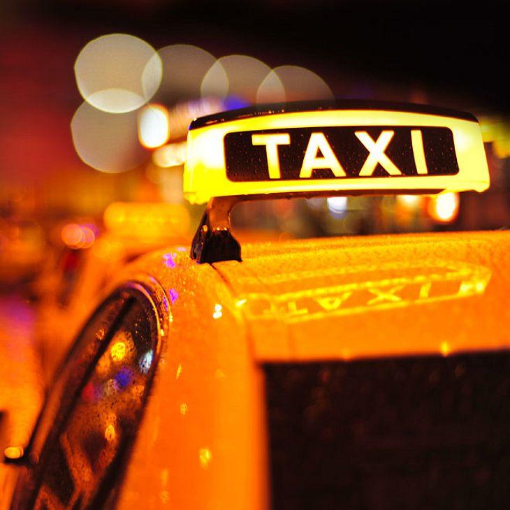 Taxifahrer stirbt während der Vater - Kleinkind verletzt!