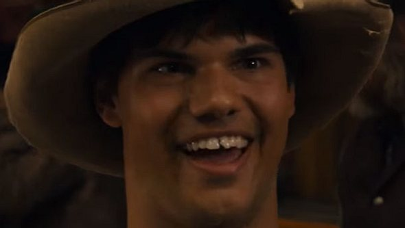 Taylor Lautner in Ridiculous 6 - Foto: Netflix