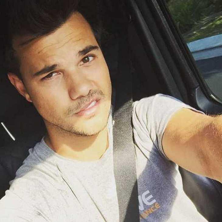Taylor Lautner: Twilight-Werwolf überrascht mit lila Haaren!