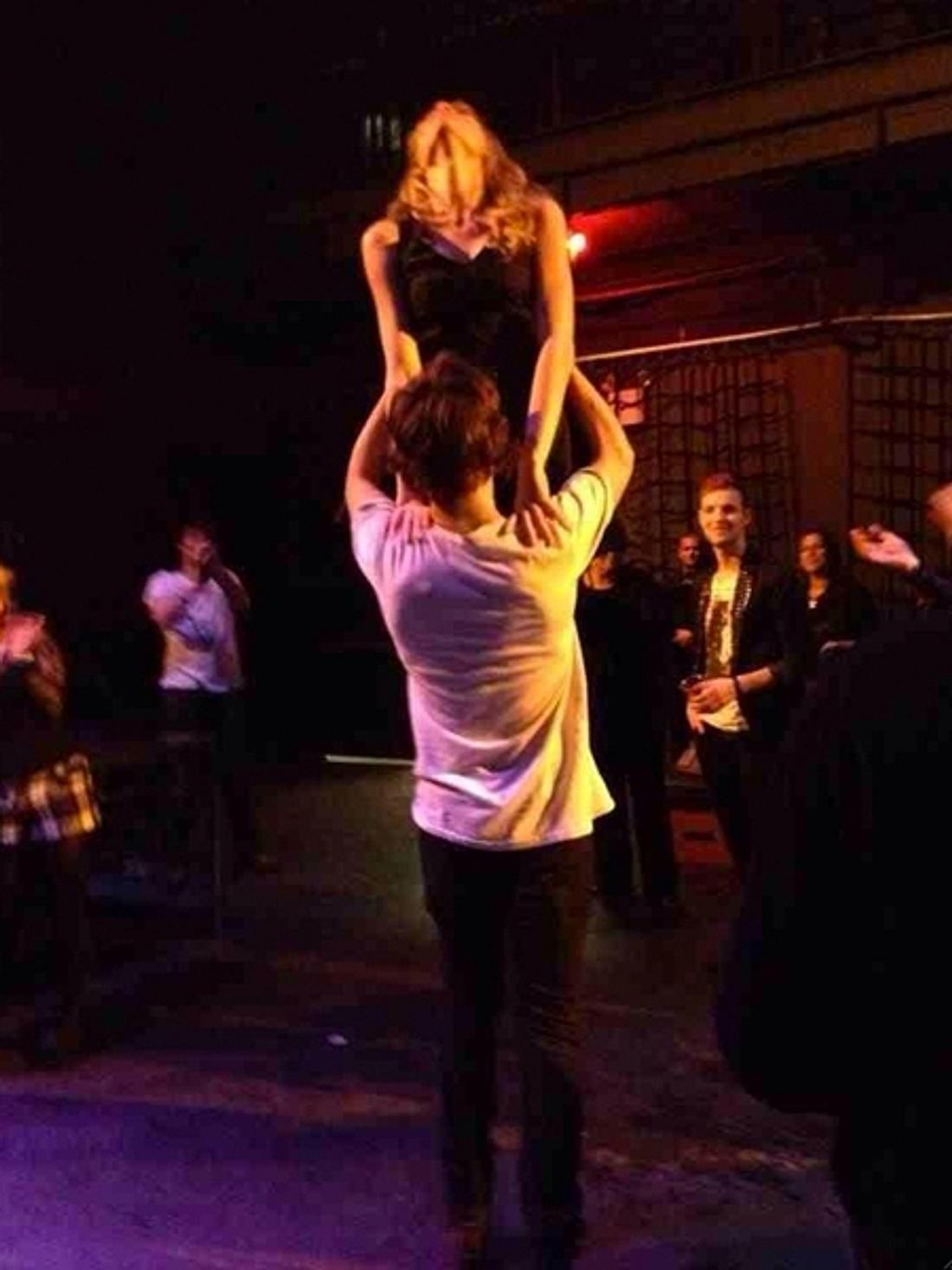 """Harry Styles und Taylor Swift alias Johnny und Baby aus """"Dirty Dancing""""."""