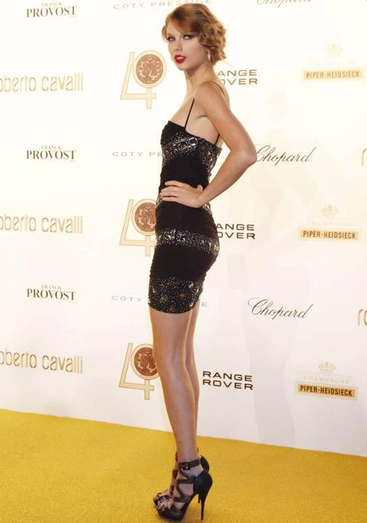 Stars im Beauty-WahnDünn, dünner, Taylor Swift: Ein paar Kurven würden der Country-Sängerin gut tun.