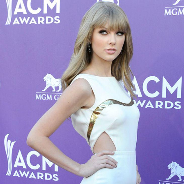 """John Mayer - Der Womanizer HollywoodsEin Überbleibsel ihrer kurzzeitigen Beziehung aus dem Jahr 2009 ist der Song """"Dear John"""", zu dem Taylor Swift (22) von ihrem Ex inspiriert wurde. Darin heißt es: """"Lieber John, jetzt erkenn"""