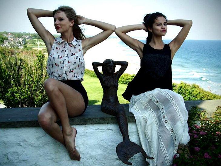 """Mit diesem Foto sendete Taylor Swift ihrer guten Freundin Selena Gomez einen lieben Geburtstagsgruß.""""Einen glücklichen 21. Geburtstag für meine Freundin und Schwester, Selena Gomez!"""""""