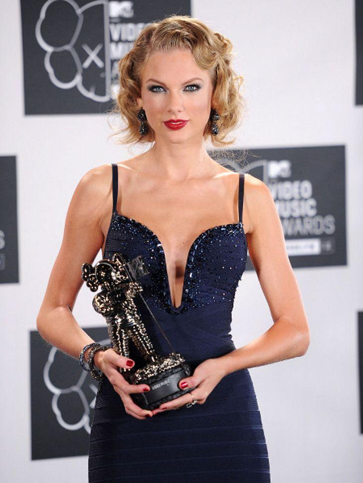 Taylor Swift konnte es nicht lassen: Gleich zwei Mal ging sie verbal auf ihren Exfreund Harry Styles los.