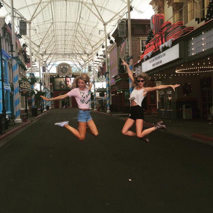 Taylor Swift und Blake Lively im Freizeitpark