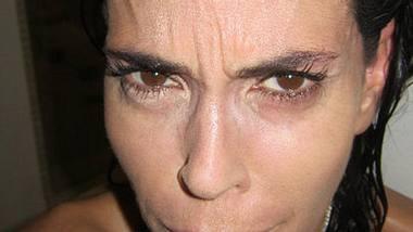 Beweist, dass sie kein Botox-Opfer ist