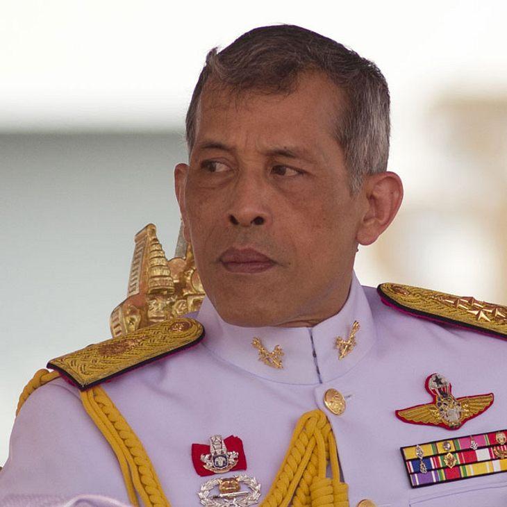 In Bayern: Schüler schießen mit Softair auf Thailands König!