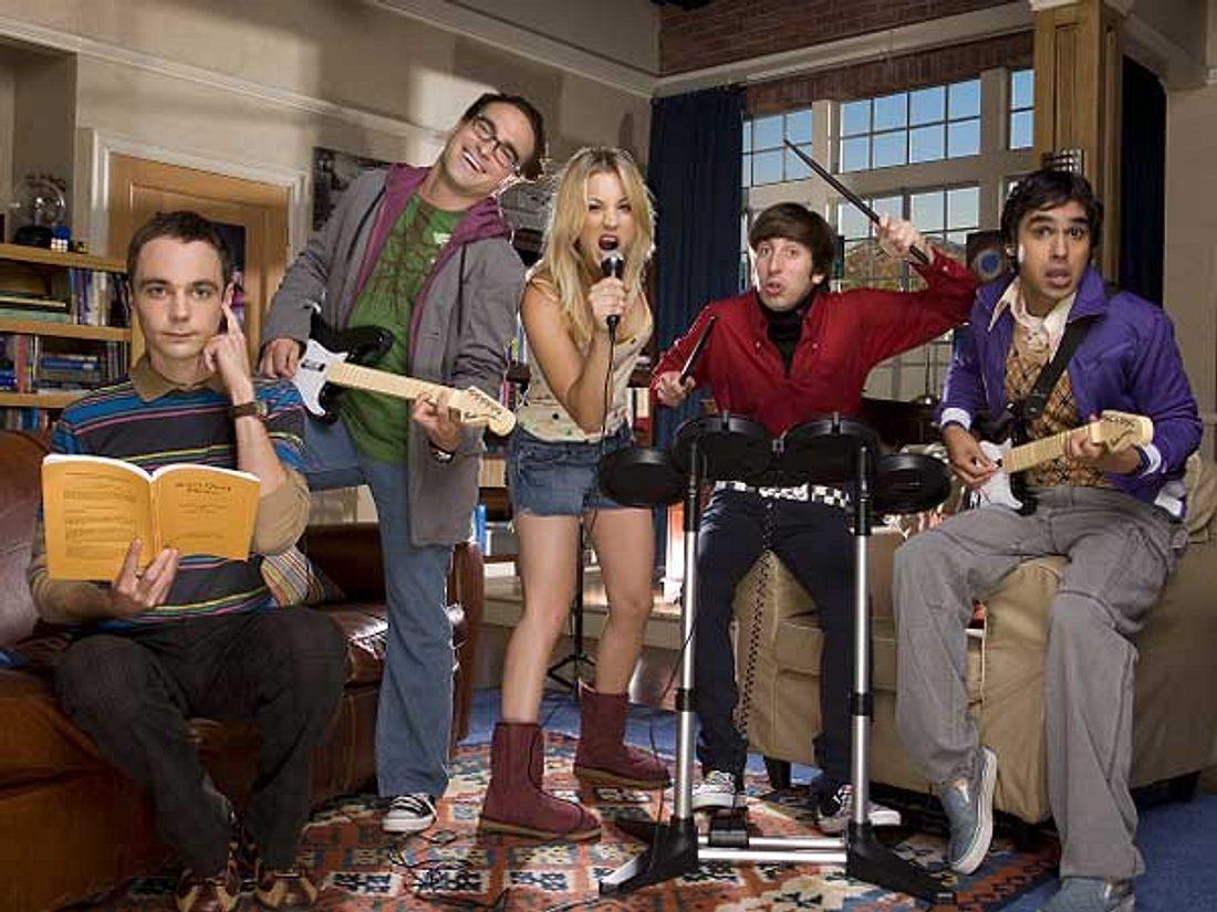 """""""The Big Bang Theory"""": Alles zur Kult-Serie,""""The Big Bang Theory"""" ist zurück! Seit Dienstag, 28. August laufen die neuen Folgen der fünften Staffel wöchentlich um 21.45 auf ProSieben. Diesmal suchen die Nerd-Jungs nach w"""