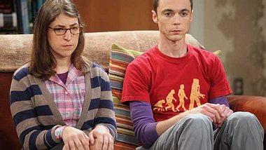 """""""The Big Bang Theory"""": Alles zur Kult-Serie,Amy ist bei """"The Big Bang Theory"""" das weibliche Gegenstück zu Sheldon. Für das Vorsprechen hat sich Schauspielerin Mayim Bialik drei Minuten von Jim Parsons Schauspielkünsten a - Foto: © Warner Bros. Television"""