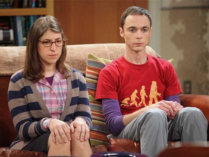 """""""The Big Bang Theory"""": Alles zur Kult-Serie,Amy ist bei """"The Big Bang Theory"""" das weibliche Gegenstück zu Sheldon. Für das Vorsprechen hat sich Schauspielerin Mayim Bialik drei Minuten von Jim Parsons Schauspielkünsten a"""