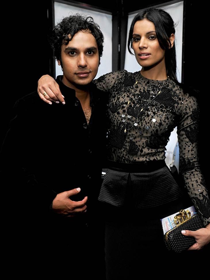 """Die """"The Big Bang Theory""""-Schauspieler ganz privatIn der Serie spielt Kunal Nayyar (31) den Charakter Raj, der an selektivem Mutismus leidet und deshalb nicht mit Frauen sprechen kann  außer er ist betrunken. Im echten Leben hat e"""