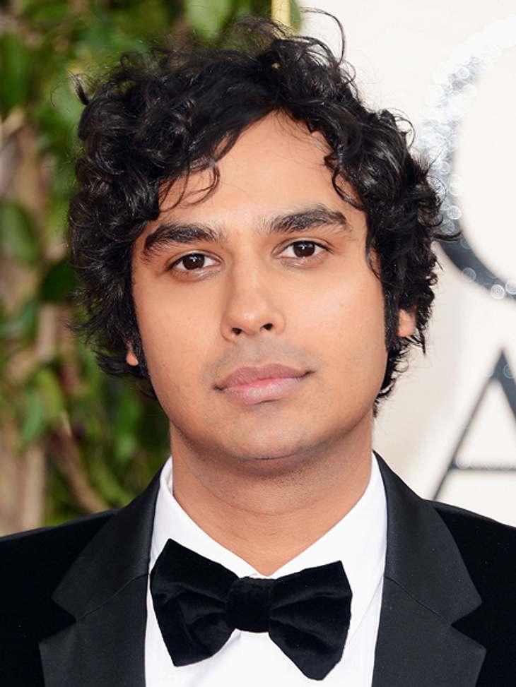 """Die """"The Big Bang Theory""""-Schauspieler ganz privatKunal Nayyar hat nicht nur ein schauspielerisches Talent, er kann auch singen. Das bewies er auf der Hochzeitsparty von Freunden. Dort sang er zusammen mit Brian Bitner, Caitlin Le"""