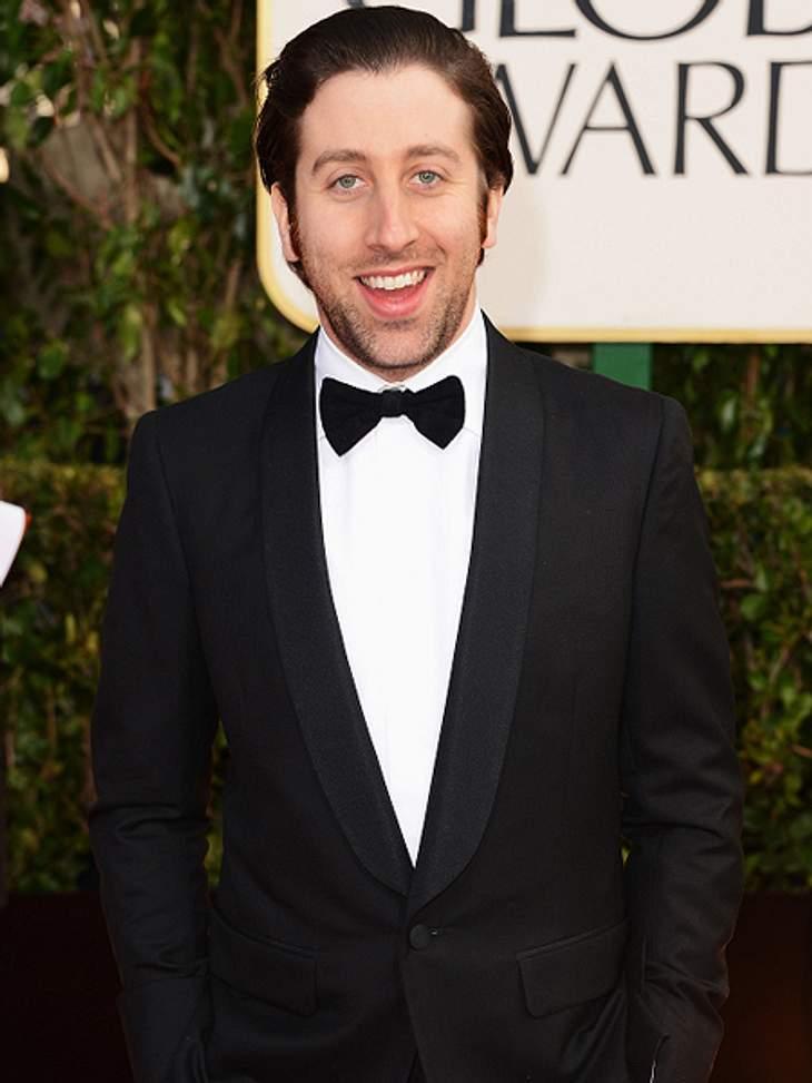 """Die """"The Big Bang Theory""""-Schauspieler ganz privatAllerdings wollte Simon erst gar kein Schauspieler werden. Sein Plan war es, Musiker zu werden. Erst gegen Ende der High School entschied er sich für die Schauspielerei."""