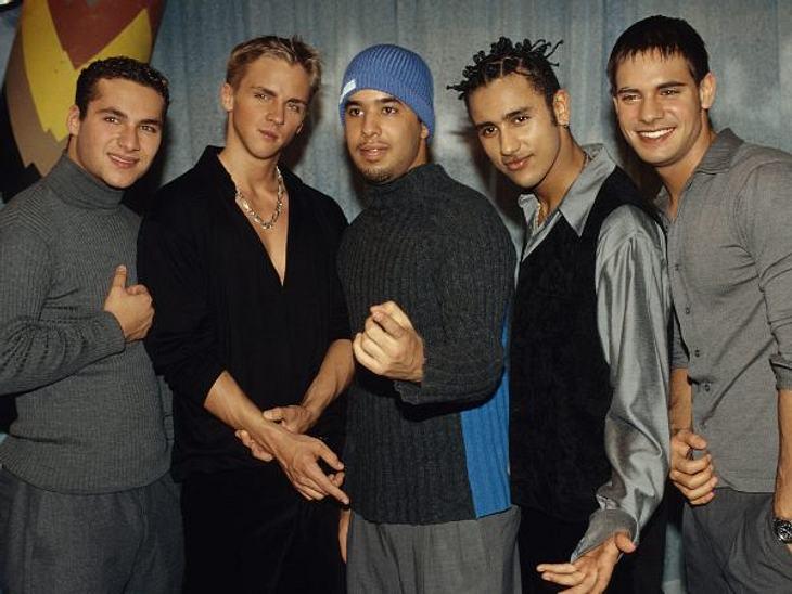 """Die Boygroups der 90erFootball-Shirts, Käppis, Ami-Namen: Sie waren die deutschen """"Backstreet Boys""""! 1997 eroberten """"The Boyz"""" mit """"One Minute"""" die Herzen von Millionen Mädchen. Aber nur drei Jahre später war e"""