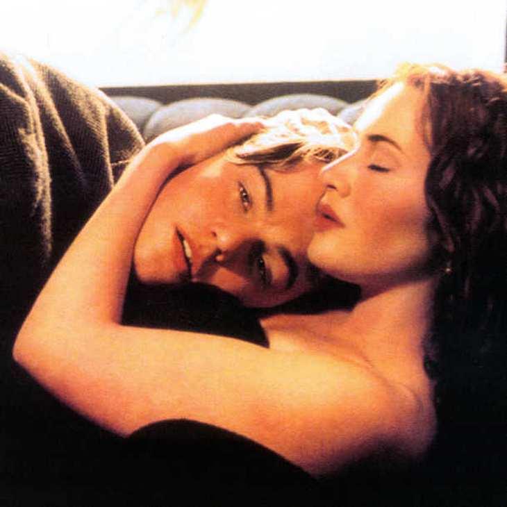 Titanic-Reunion: Kate Winslet und Leonardo DiCaprio kuscheln bei den Golden Globes 2016!