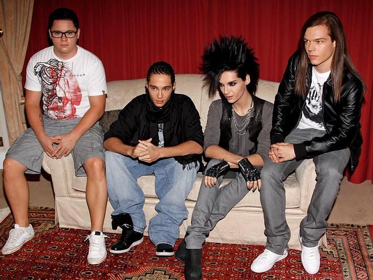 """Tokio Hotel: Sie nahmen Pillen aus Langeweile""""Tokio Hotel"""" schockten ihre Fans mit einem krassen Geständnis! """"Wir haben jede Menge Drogen genommen"""", verrät Tom Kaulitz. """"Es kam schon mal vor, dass wir uns aus lauter"""