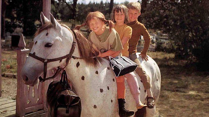 Pippi, Annika und Tommy auf Pferd Kleiner Onkel