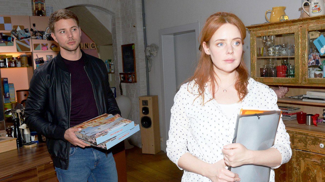 Bastian (Benjamin Trinks) und Toni (Olivia Marei)