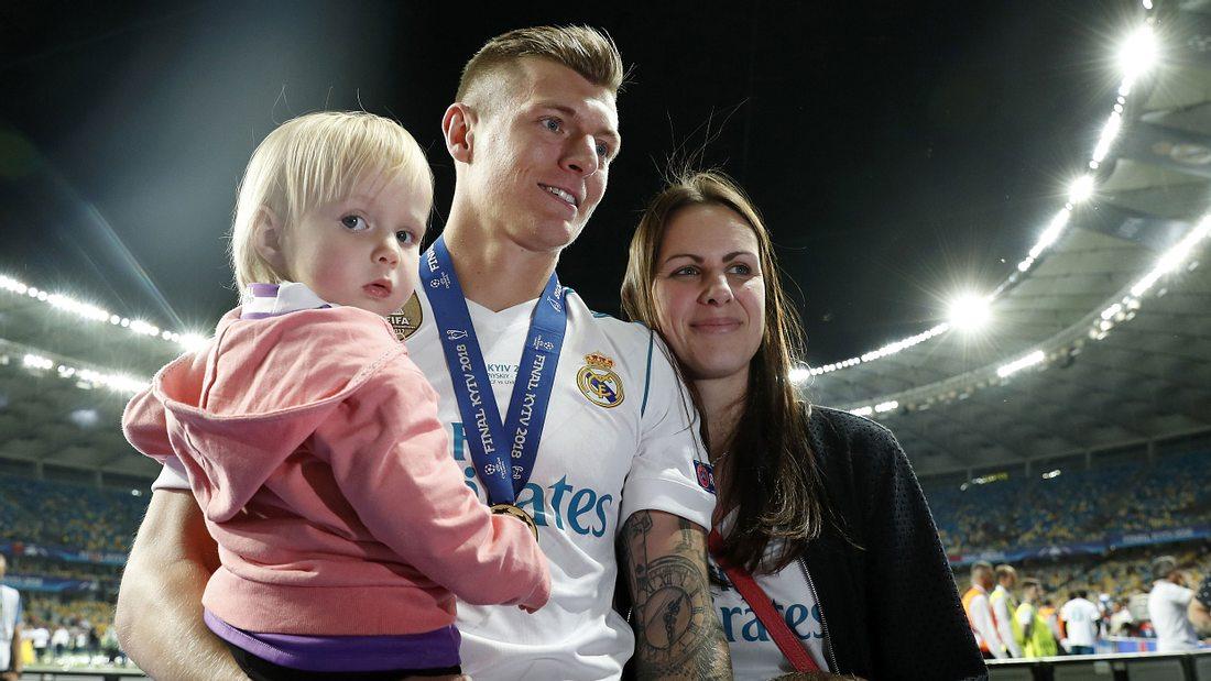 Toni Kroos: Ein Baby für den Kicker