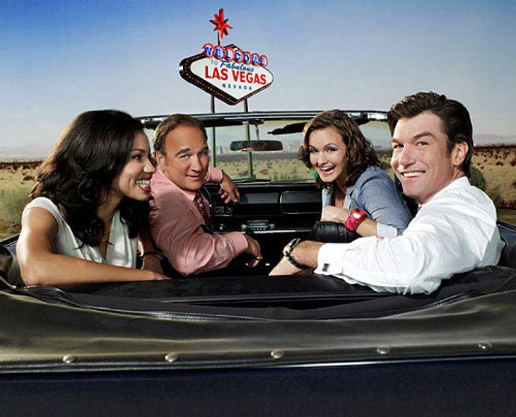 """Die besten TV-Serien""""The Defenders"""" Die Story: Zwei Anwälte in Las Vegas. Sie kämpfen für ihre Klienten und dafür ist ihnen jedes Mittel recht. Neben den beiden Anwälten gibt es noch eine handvoll skurriler Nebenfiguren, wie die S"""