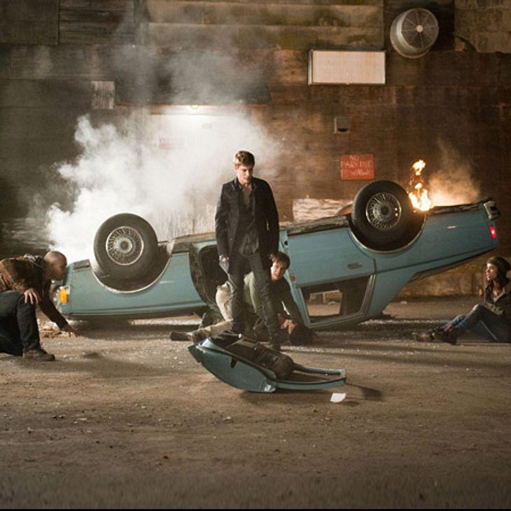 Twilight: Die Liebesgeschichte von Bella und Edward,Nach einer Reihe rätselhafter Ereignisse stellt sich heraus, dass die Vampire zurück sind, um Rache an Bella, für den Tod von James, zu nehmen. Die Cullens schließen sich mit den Werwölfen