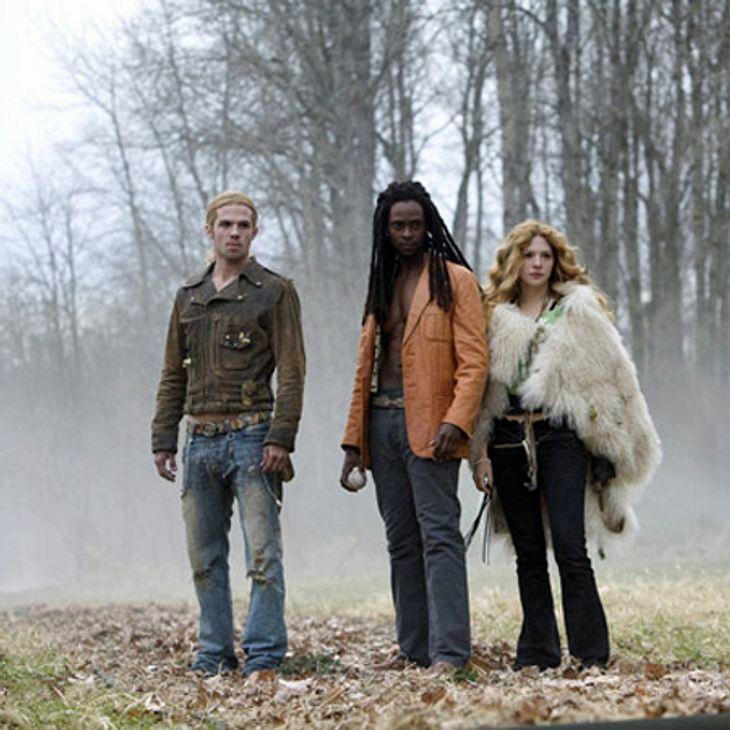 Twilight: Die ganze Liebesgeschichte von Bella und Edward,Während einer Runde Vampir-Baseball tauchen fremde Vampire auf und Bella, als Mensch, wird zum Objekt ihrer Begierde. Den Kampf auf dem Baseball-Platz gewinnen die Cullens, doch fort