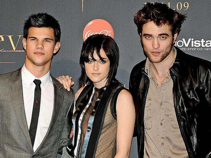 """Wenn alles so läuft wie angedacht, können sich """"Twilight""""-Fans nach """"New Moon"""" und """"Eclipse"""" noch auf ZWEI weitere Vampirfilme freuen... """"Twilight""""-Saga: Vier Bücher, fünf Filme"""