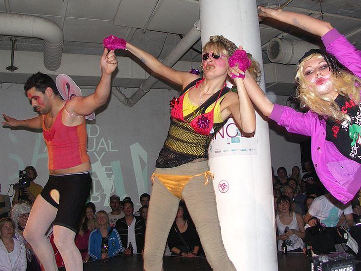 Ugly-Dance-Contest 2010Verrückte akrobatische Tänze.