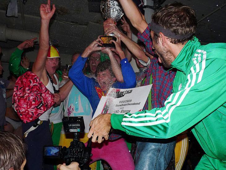 """Ugly-Dance-Contest 2010Den Ugly-Dance-Contest haben """"Die Dezentiner """" aus Steinfeld gewonnen! Das Publikum war von den geschmacklosen Verrenkungen entzückt."""