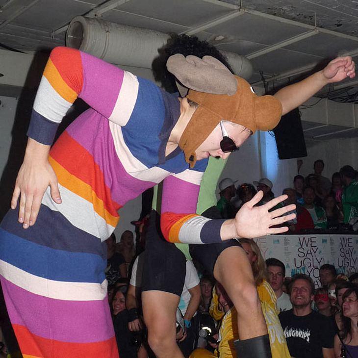 Ugly-Dance-Contest 2010Es gab geringelten Strick und buntes!